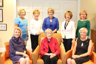 Past National Presidents Pose Together at Headquarters, 2016