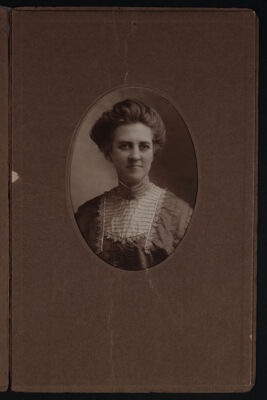 Estelle Leonard Portrait Photograph, c. 1910