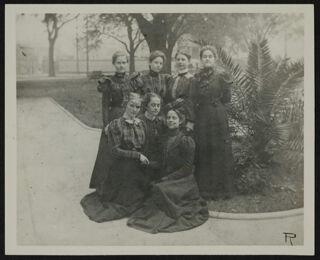 Pi Chapter Photograph, c. 1898