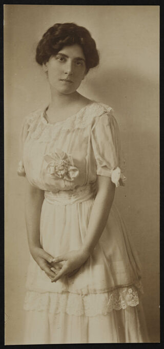 Stella George Stern Photograph, 1898