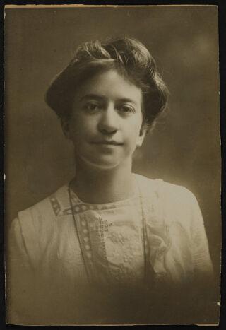 Jessie Wallace Hughan Portrait Photograph, 1898